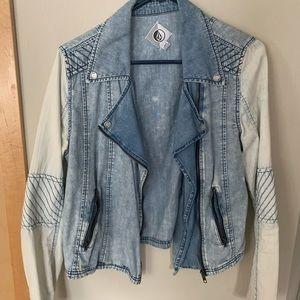 Volcom denim jacket ✨